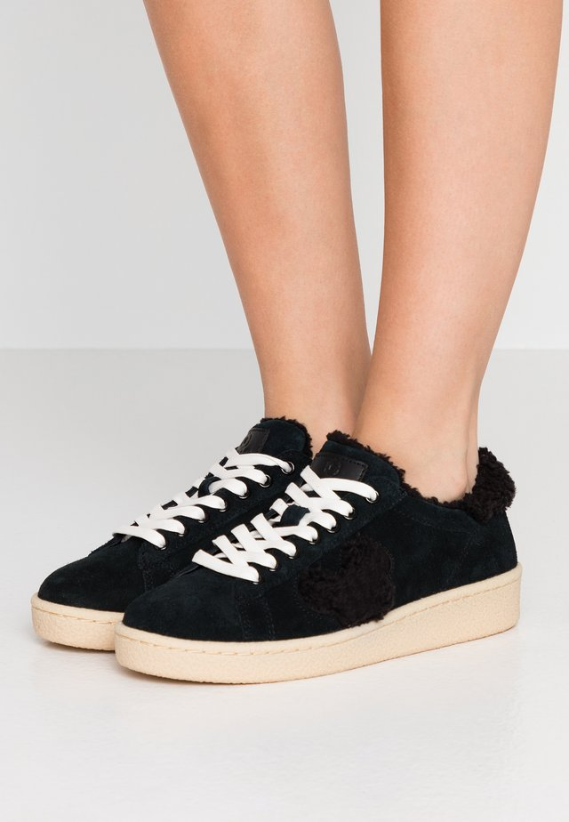 Sneakers laag - granmaster black/black