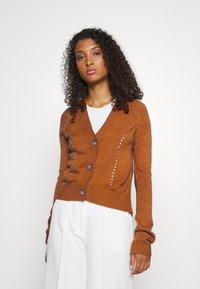 JDY - JDYFLORAL - Cardigan - brown - 0