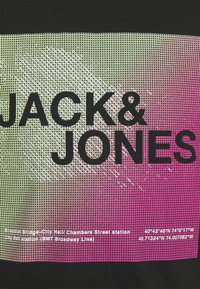 Jack & Jones - JCORAZ TEE SS CREW NECK STS - Print T-shirt - black - 2
