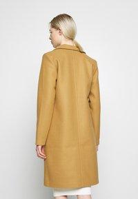 Vila - VICOOLEY NEW COAT - Zimní kabát - dusty camel - 2
