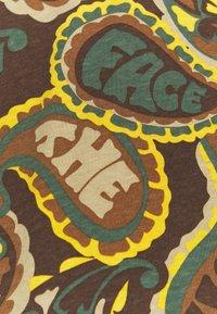 The North Face - REDBOX TEE - Print T-shirt - pinecone brown - 5