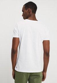 TOM TAILOR DENIM - 2 PACK - Basic T-shirt - white - 2