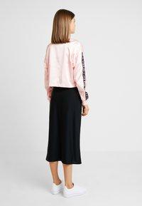 Nike Sportswear - AIR - Veste de survêtement - echo pink - 2