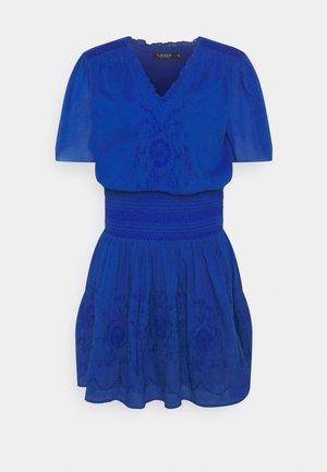 SIZANNA CASUAL DRESS - Robe d'été - sapphire star