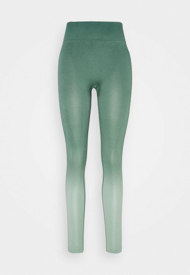 SEAMLESS OMBRE LEGGINGS - Legginsy - blue spruce