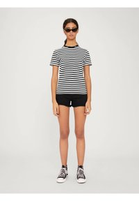 EDITED - LEILA - Print T-shirt - offwhite - 1