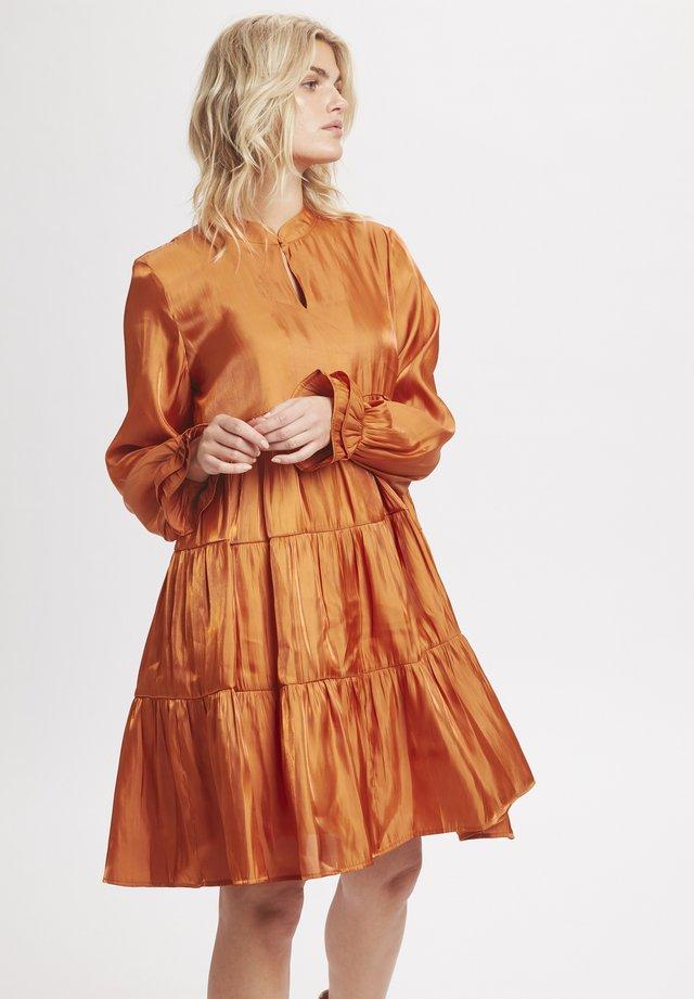 PANGKB  - Vapaa-ajan mekko - orange rust