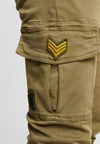 Alpha Industries - PETROL PATCH - Pantalon cargo - oliv - 5