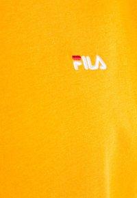 Fila - EARA TEE - T-shirt basic - flame orange - 6