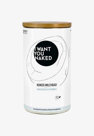 COCONUT MILK BATH - Skumsæbe og badesalt - kokosnuss & vitamin e