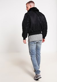 Alpha Industries - Bomber Jacket - black - 2