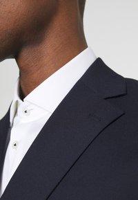 Selected Homme - SLHSLIM MAZELOGAN SUIT - Traje - navy - 9