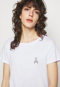 Patrizia Pepe - MAGLIA - T-shirt imprimé - bianco ottico - 3