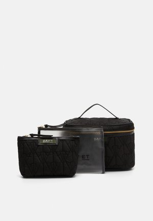 GWENETH DECOR SET - Wash bag - black