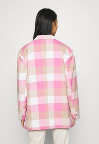 Monki - GRACE - Blazer - pink - 2