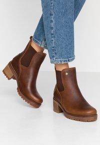 Panama Jack - PIA - Kotníkové boty na platformě - grass/bark - 0