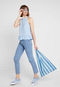 Levi's® - 501 CROP - Jeans Skinny Fit - light-blue denim/blue denim - 1
