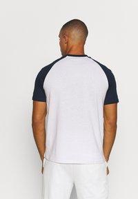 Hummel - T-shirts print - white - 2