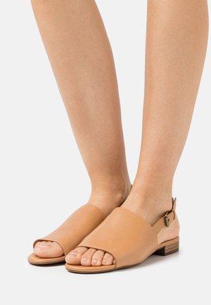NOELLE SLINGBACK - Sandals - desert camel