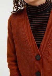 WE Fashion - Chaqueta de punto - rust brown - 2