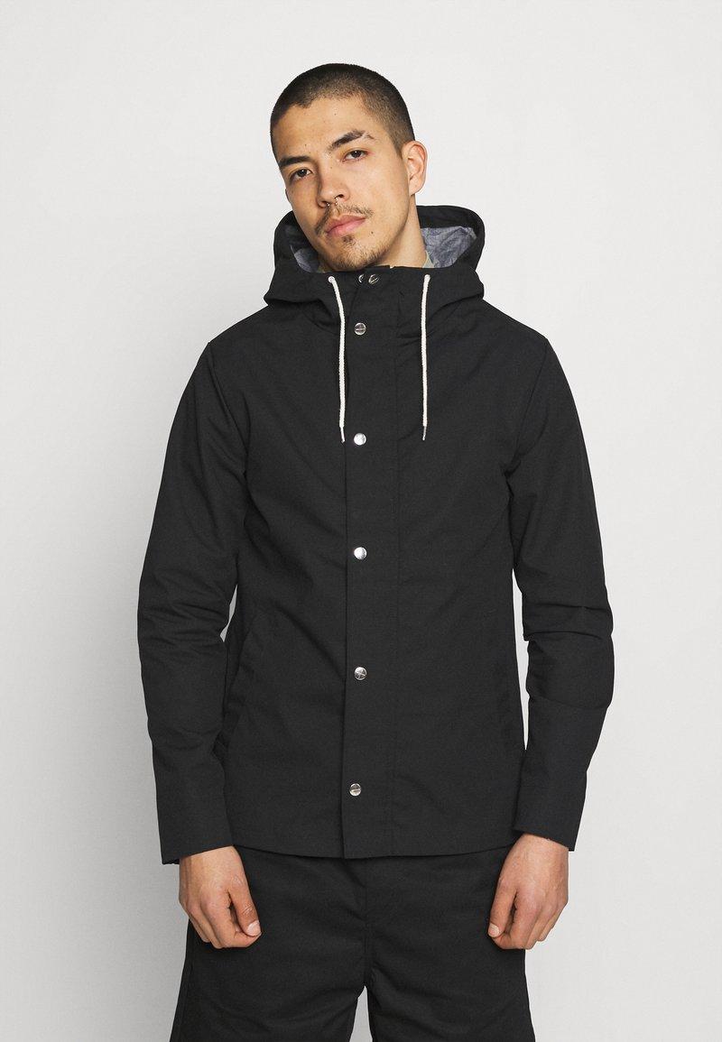 REVOLUTION - JACKET LIGHT - Summer jacket - black