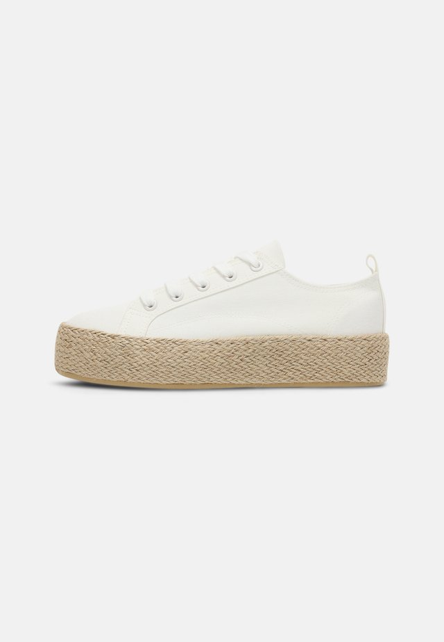 Zapatos con cordones - off-white