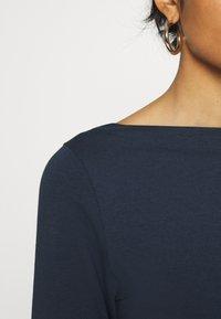 Vero Moda - VMPANDA  - Maglietta a manica lunga - navy blazer - 5