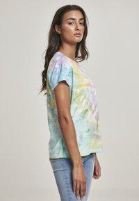 Urban Classics - Print T-shirt - pastel - 3