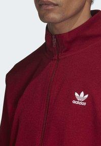 adidas Originals - TREFOIL ESSENTIALS TRACK TOP - Trainingsjacke - burgundy - 4