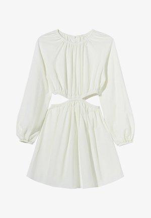 MIT CUT-OUTS UND PUFFÄRMELN - Korte jurk - white