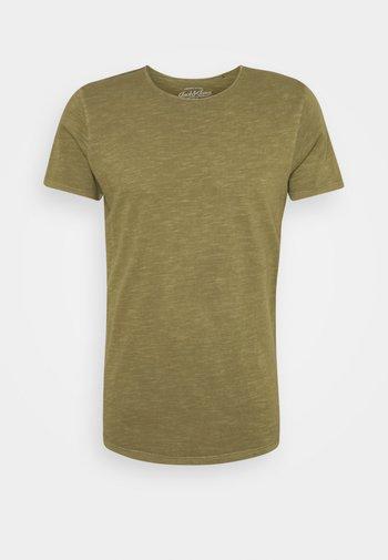 JJEASHER TEE O-NECK NOOS - T-shirt - bas - olive night