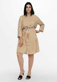 ONLY Carmakoma - Shirt dress - tannin - 1