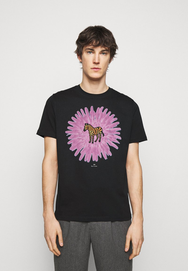PS Paul Smith - MENS REG FIT FLOWER ZEBRA UNISEX - Print T-shirt - black
