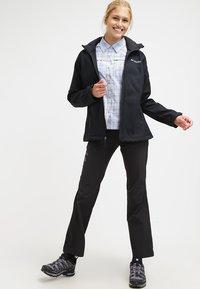 Columbia - CASCADE RIDGE - Soft shell jacket - black - 1