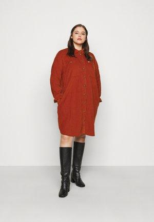 WORKSHIRT DRESS - Shirt dress - red ochre