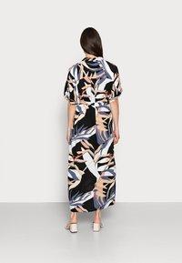 mine to five TOM TAILOR - DRESS KAFTAN MAXI PRINTED - Maxi dress - sand blue palms design - 2