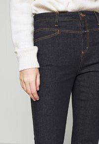 CLOSED - SKINNY PUSHER - Jeans Skinny Fit - dark blue - 3