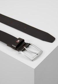 Tommy Hilfiger - NEW DENTON - Belt business - brown - 2