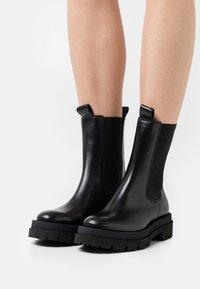 Kennel + Schmenger - SHADE - Platform ankle boots - schwarz - 0