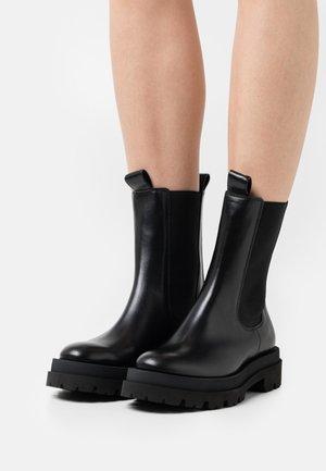 SHADE - Platform ankle boots - schwarz