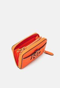 Lauren Ralph Lauren - LOGO ZIP WALLET SMALL - Wallet - nautical orange - 2