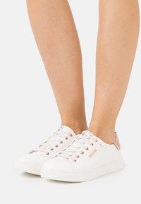 Dockers by Gerli - Sneakers laag - weiß/rosegold - 0