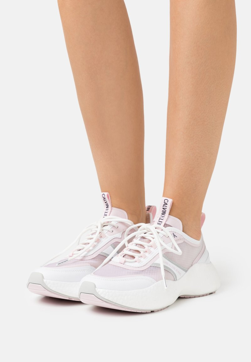 Calvin Klein Jeans - RUNNER  LACEUP  - Sneakers laag - bright white