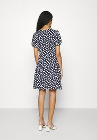 Dorothy Perkins - SPOT TSHIRT DRESS - Sukienka z dżerseju - navy - 2