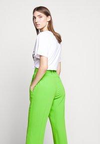 MM6 Maison Margiela - SMART - Kalhoty - green - 4