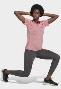 adidas Performance - ADI RUNNER PRIMEGREEN RUNNING - T-shirts - pink - 1