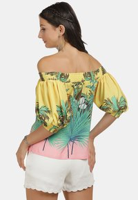 IZIA - Blouse - tropical print - 2