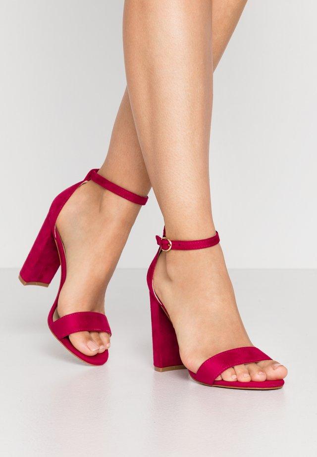 High heeled sandals - pink