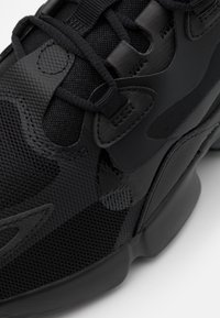 Nike Sportswear - AIR MAX INFINITY 2 - Baskets basses - black/anthracite - 7