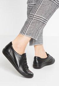 ECCO - SOFT 2.0 - Sneakers laag - black - 0